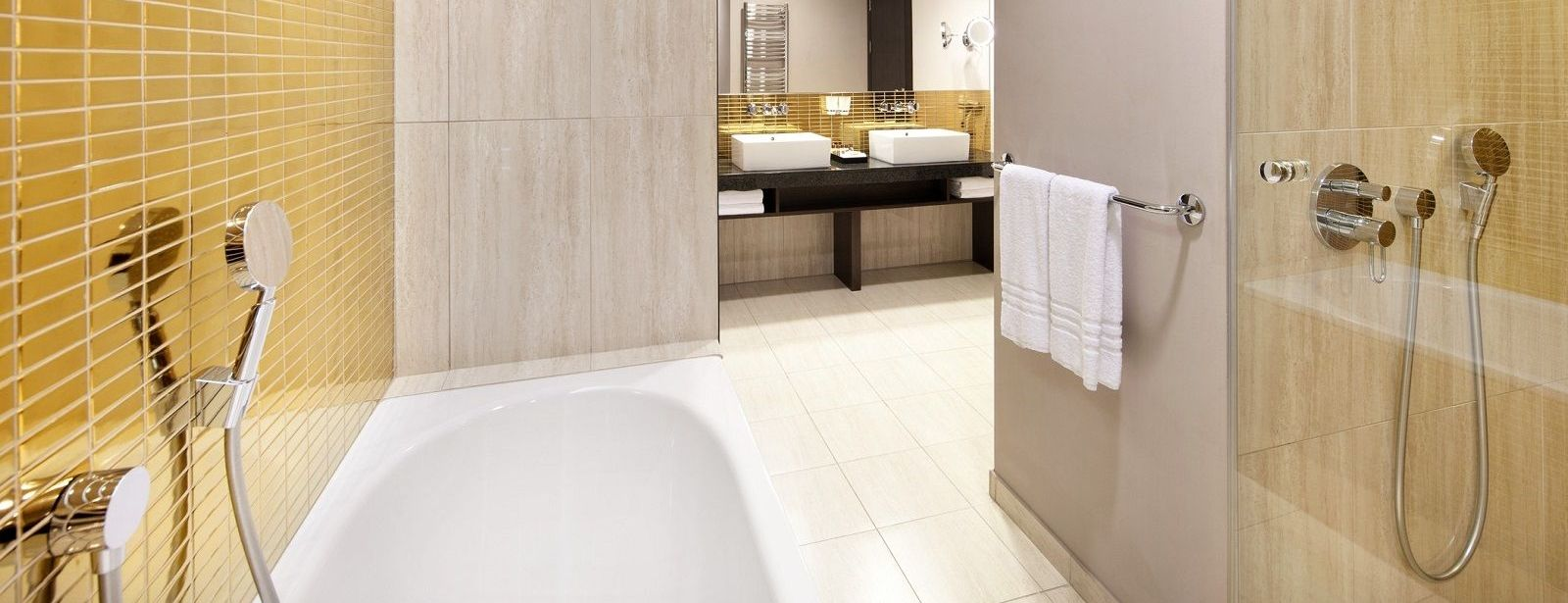 Grand Junior Suite - bathroom